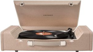 Crosley CR6232A-BR Nomad Turntable